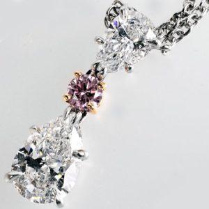 ハリーウィンストン(HARRY WINSTON)ペアシェイプダイヤモンドネックレスの画像