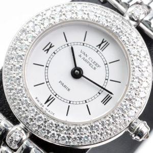 ヴァンクリーフ&アーペル(VanCleef&Arpels)クラシックダイヤベゼルクオーツ式腕時計の画像