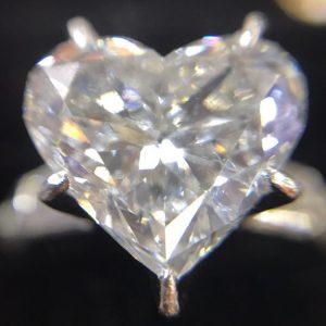 ダイヤモンド ハート 2.02ct