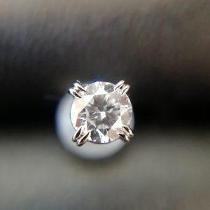 ダイヤモンドピアス画像